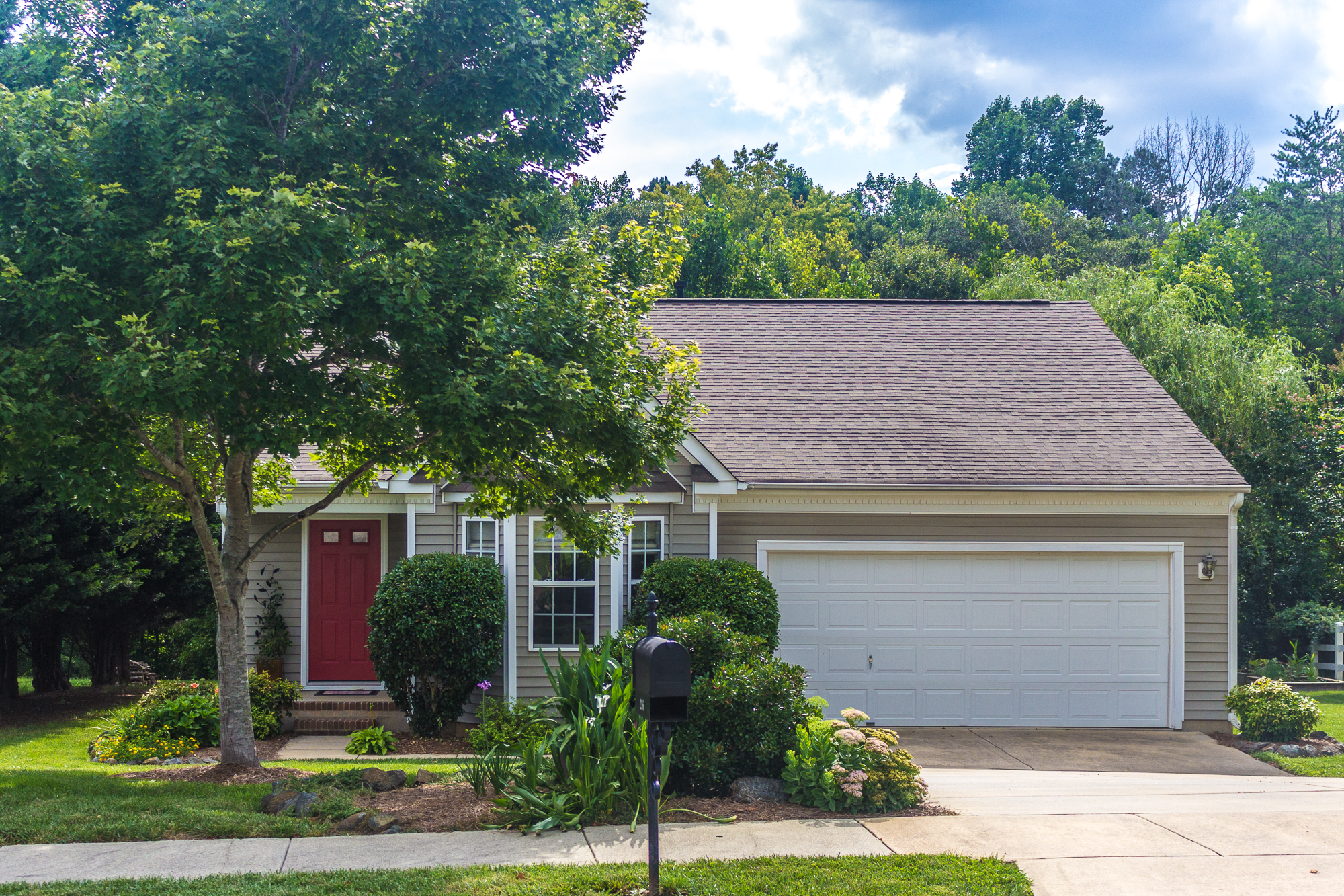 216 Brookstone Drive, Mt. Holly, NC 28120